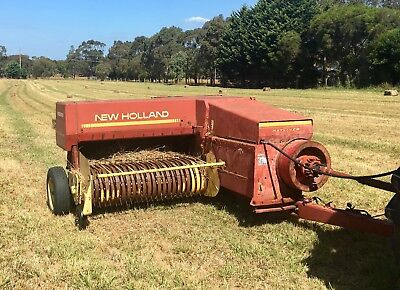 New Holland 426 Square Hay Baler