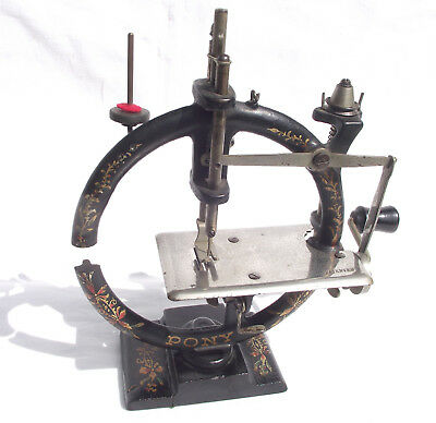 Antique rare Foley & Williams 'Pony' American toy sewing machine, c1900