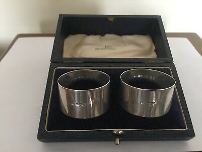 Beautiful Cased Pair Of Sterling Silver Napkin Rings (Sheffield 1945) 48Gm