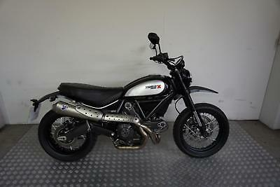 Ducati Scrambler Classic 2015 with only 9582 miles + Termignoni exhaust