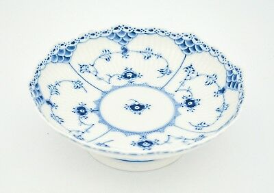 Bowl on foot #511 - Blue Fluted - Royal Copenhagen - Half Lace - 1st Quality