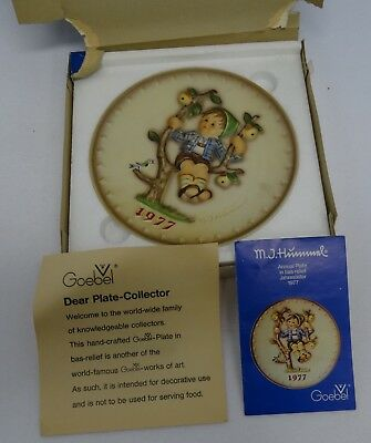 Vintage 1977 West German MJ Hummel W Goebel Decorative Plate in Original Box