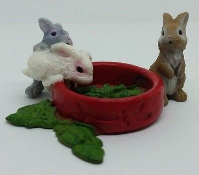 Schleich Am Limes 69 2012 Baby Rabbits Bunnies Eating Figure Pretend Play Toy