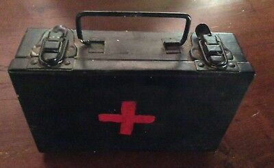 Vintage First Aid Metal Red Cross Box/kit