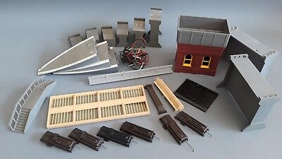 Triang Mixed Items As Shown Good Condition Unboxed Oo Gauge(Mx)