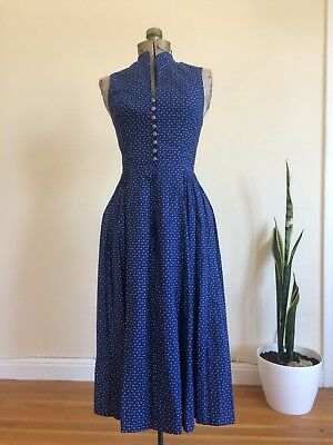 Women's Vintage 1970s Authentic German Dirndl Trachten Cotton Dress Floral Print