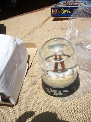 Lost In Space Super Rare Snow Globe B9 Robot Vintage Tv Dr Smith 664 Limited