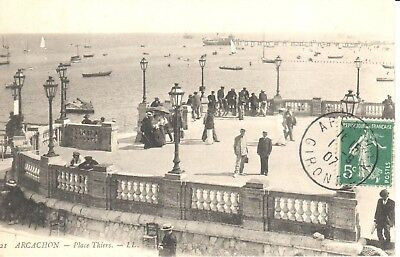 Carte Postale - (33) Gironde - CPA - Arcachon - Place Thiers