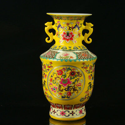 Chinese Colorful Porcelain Hand-Painted Flowers Vase As Qianlong Period Nr