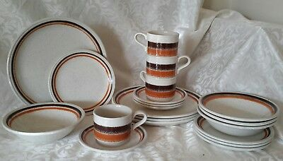 VINTAGE BILTONS ENGLAND . RETRO . 4 person DINNER SET . 20 Piece . BERWICK VIC