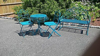 wrought iron vintage 4 piece patio set ( this is pickup only)