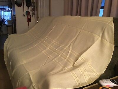 Pale Yellow Oval Cloth Table Cloth