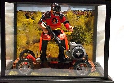 ACTION MAN SKATEBOARD EXTREME Action Figure Display Case W Scenery