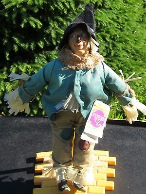 """Wizard of Oz Scarecrow Doll PRESENTS Hamilton Gifts 15"""" New w Tag & Stand"""