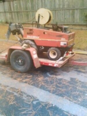 2002 Ditch Witch 255sx  trenching and boring machine with tilt trailer