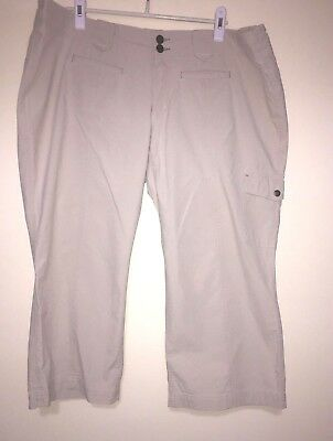 Amazing Pair of Eddie Bauer Cargo Khaki Tan Capris – Women's 20W