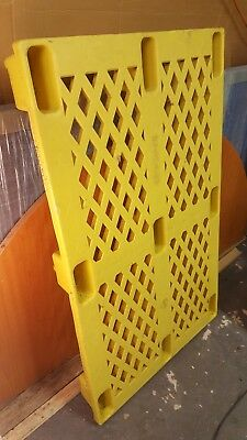HEAVY DUTY plastic pallet - Very Good Condition Warehouse pallet