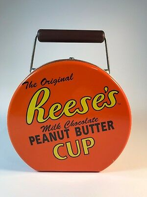 Vintage Reeses Peanut Butter Cup Case/Tin in good condition