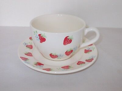 Jumbo Cup Saucer Cream With Fruit Design Strawberry And Flower