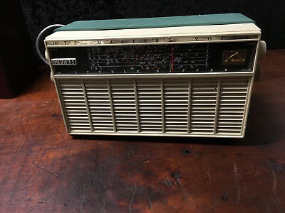 Vintage His Masters Voice Super Five Little Nipper Radio