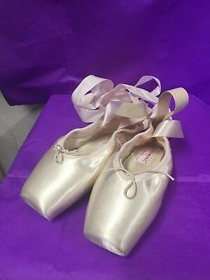 Vintage Russian pointe hand made ballet slippers pre-owned in mint condition