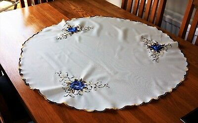 """Beautiful Vintage  Embroidered Round Table Cloth flowers design ....33"""""""