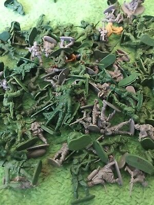 Joblot of Mixed Plastic Green/grey/sand Army Men Toy Soldiers APPROX 100!!