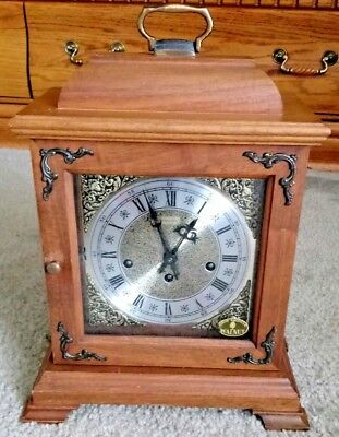 Hamilton Westminster Chime Bracket Shelf/mantle Clock With Key-Works