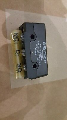 MICROSWITCH DT-2R-A7MS25008-1 Switch New Quantity-1