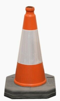 100 x Brand NewHeavy Duty Self Weighted 450mm Road Traffic Cones.FREE DELIVERY