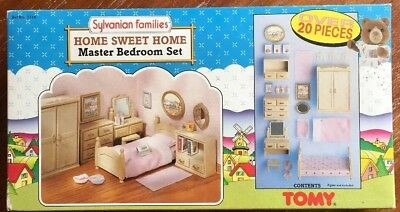 SYLVANIAN Families Home Sweet Home Master Bedroom Set TOMY