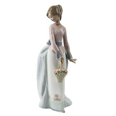 """Lladro #7622 """"Basket of Love"""" Young woman with a basket of Flowers Retired"""