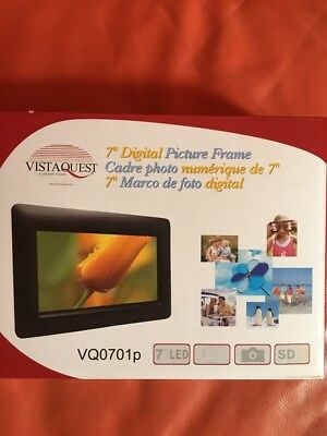 "7"" Digital picture frame by VistaQuest"