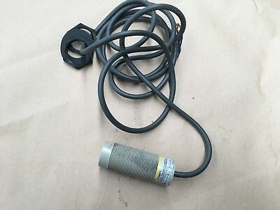 Omron E2K-X15Mf1 Capacitive Proximity Switch 12-25Vdc  Industrial