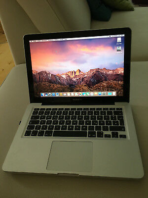 "Macbook Pro 13,3"" - 2,4 GHz - 4 GB - silber - 2010 - 250 GB - funktioniert super"