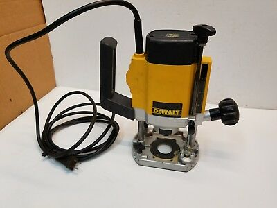 "DeWalt DW615 Electronic 1/4"" Plunge Variable Speed Router, 8,000-24,000 RPM"