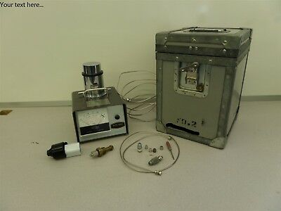 Shaw Bradford Automatic Dewpoint Moisture Meter Hygrometer with Case