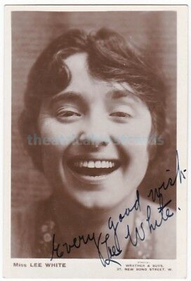 Music hall, Variety singer comedienne Lee White. Signed postcard
