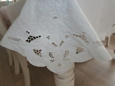 Vintage White Hand Embroidered Cutwork Tablecloth 106 X 156Cm. Gvc. Vic.