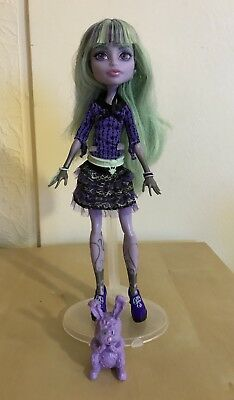 Monster High 13 Wishes Twyla Signature Wave 1 Original Doll Complete