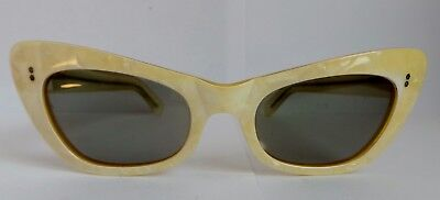 Vintage 1960's Poloroid Cat's Eye Sunglasses - Wicked Originals