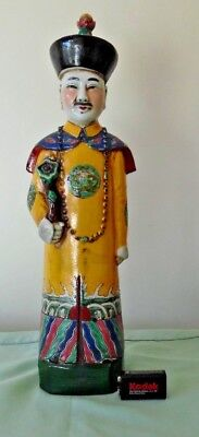 CHINESE MAN FIGURINE : QUING DYNASTY : VINTAGE FAMILLE ROSE : 39cms