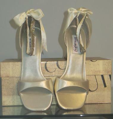 Dyeables Fabric Pumps Heels - Light Ivory -  8M - NWOT
