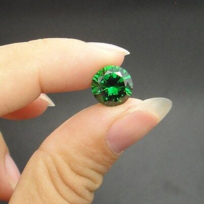 Natural Mined Colombia Green Emerald 5mm 0.85Ct Round Cut VVS AAA Loose Gemstone