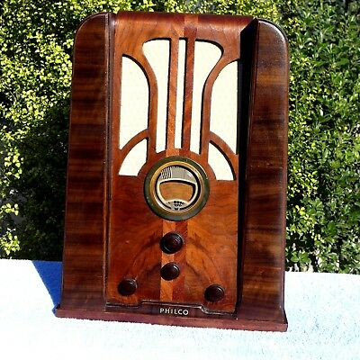 Philco Model 37-620  1937  6V  S/w ~ Tombstone Radio Beautiful Timber Cabinet.
