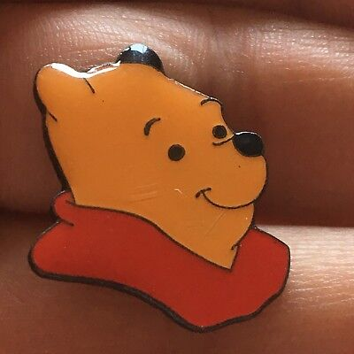 Disney's Winnie The Pooh Metal Pin Badge (see pics) FREEPOST