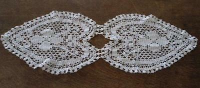 """Small Vintage Filet Crochet Lace Table Runner Doily Hearts 26"""""""