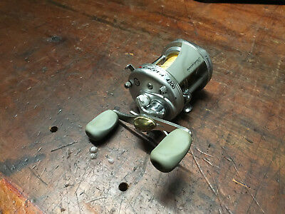 Vintage Shakespeare 4300 Catera Bait Caster fishing Reel Made in Japan