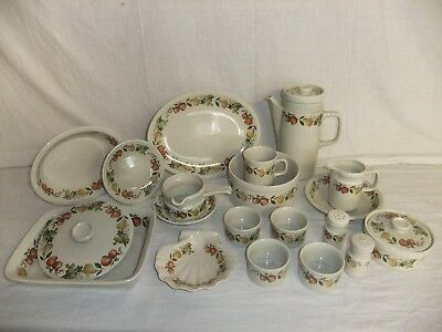 C4 Pottery Wedgwood - Quince - oven to table, dishwasher/microwave proof - 4D6C