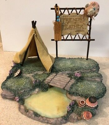 Enesco Friends of the Feather Karen Hahn Teepee Pond Grass SPE270 Display